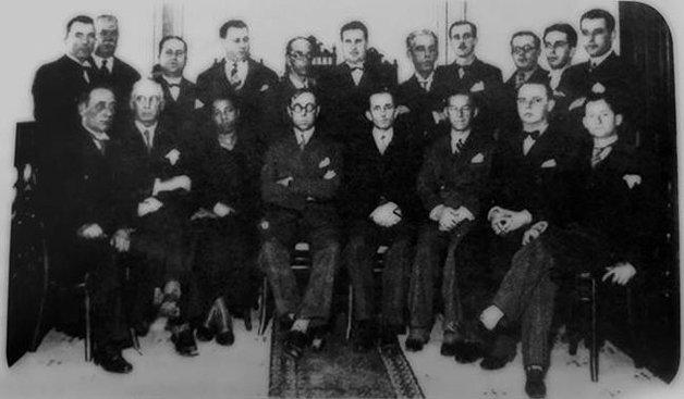 Antonieta, única mulher negra entre diversos parlamentares brancos