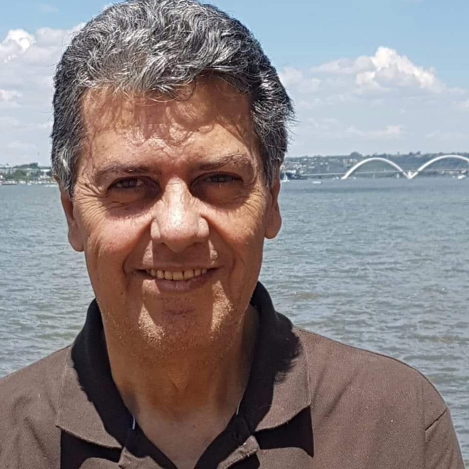 O atributo alt desta imagem está vazio. O nome do arquivo é Luiz-Queiroz.jpg